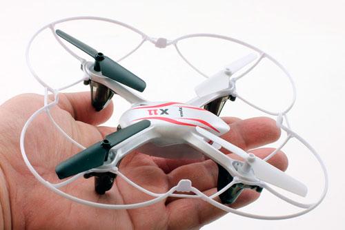 Dron Syma X11C para vuelos interiores en casa